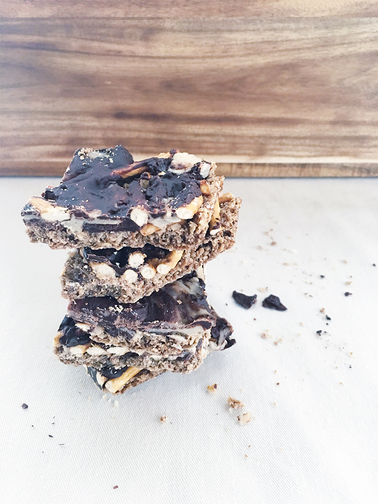 Minty-chocolate Oat & Pretzel Bars
